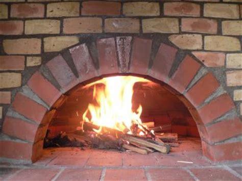 cuisine au four à bois fabrication d un four a la dentelle de bois