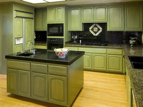 Green Cabinets In Kitchen | distressed kitchen cabinets pictures options tips