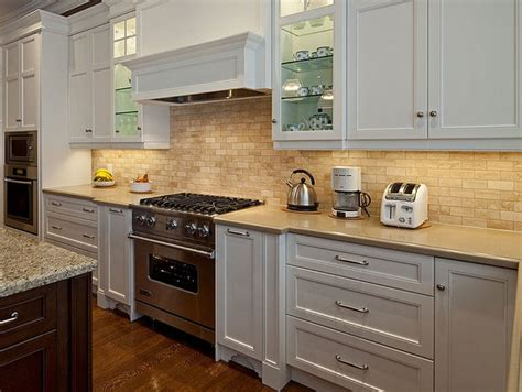 Backsplashes For White Kitchens White Kitchen Cabinet Backsplash Ideas Page