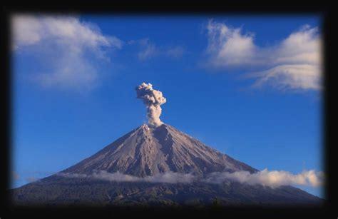 gambar pemandangan gunung berapi gambar pemandangan