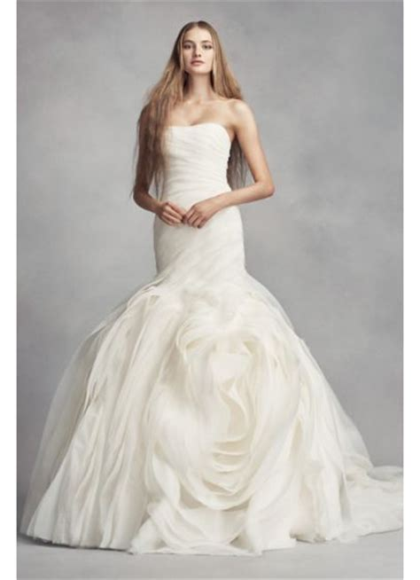 Brautkleider Vera Wang by White By Vera Wang Wedding Dress With Rosettes David S