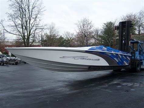 avanti boats for sale 1999 used avanti 33 high performance boat for sale
