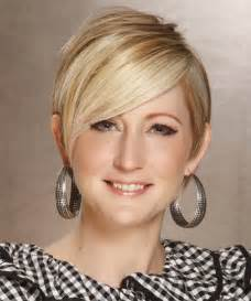 haircuts for with oval shaped faces oval face short hairstyles