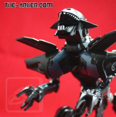 Transformers Hasbro Of The Fallen Deluxe Class Ravage new images of deluxe class transformers of the