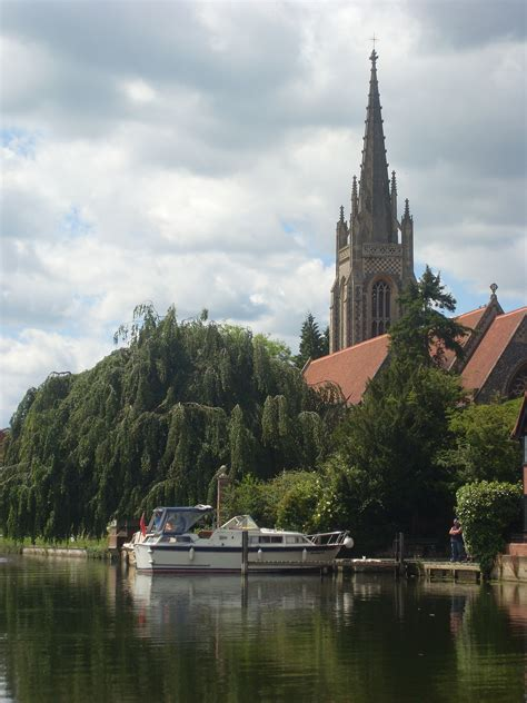 thames river cruise marlow river thames