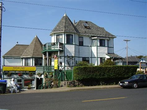 bed and breakfast newport oregon green gables bed breakfast oceanfront bed breakfast