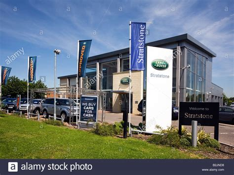 uk car sales stratstone land rover dealership solihull