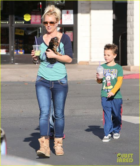 Lindsay Shoots Kfed by Coffee Bean Stop With The Boys Photo