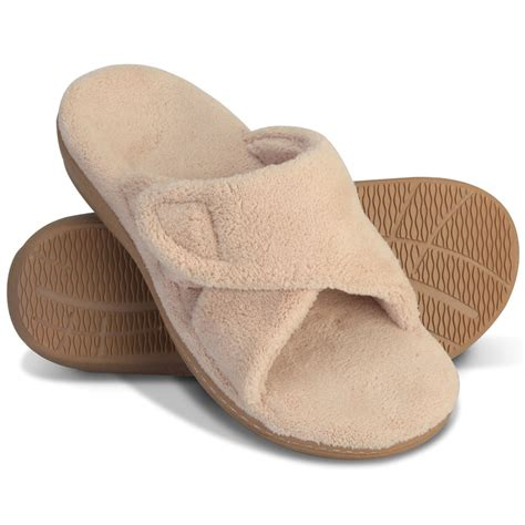 plantar fasciitis slippers the s plantar fasciitis slipper slides hammacher