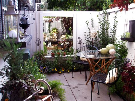 outside ideas cozy intimate courtyards outdoor spaces patio ideas