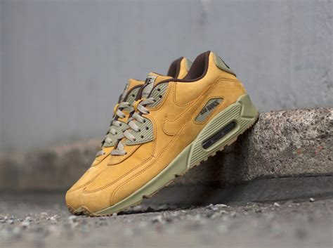 Sepatu Nike Airmax90 Premium Quality nike air max 90 ltr prm flax the sole supplier