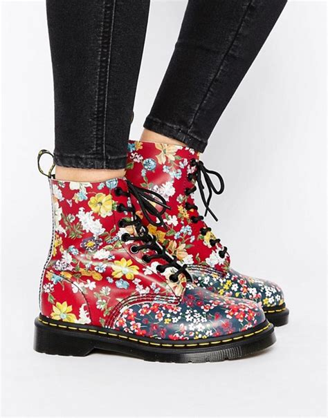 dr martens fiori dr martens dr martens pascal multi floral 8 eye boots