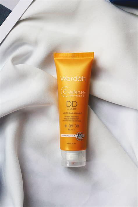 Review Dd Wardah Vani Sagita Wardah C Defense