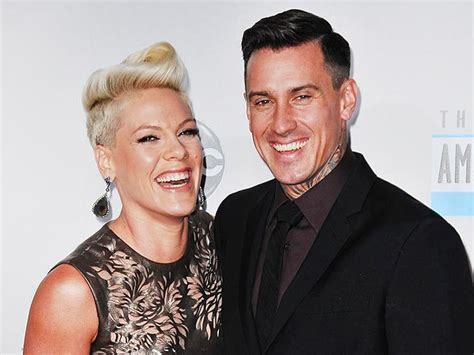 carey hart hair pink and carey hart dine in atlanta