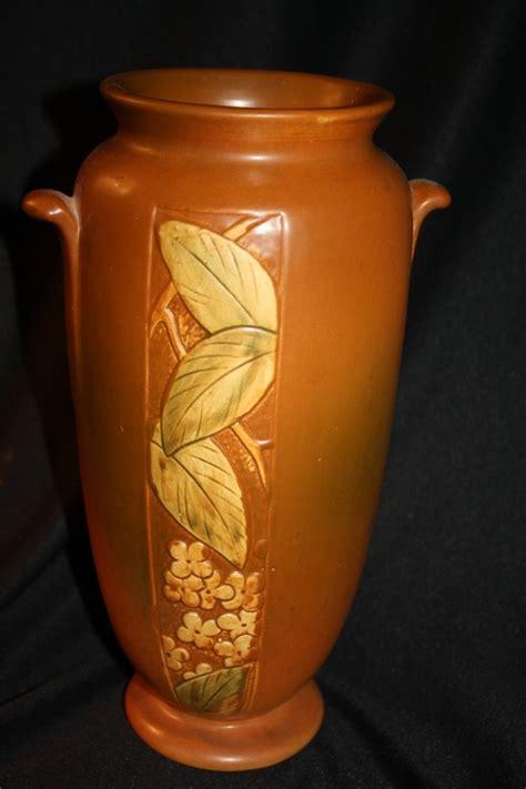 Weller Vase Patterns by Weller Pottery Vase Velva Pattern 1928 Collectors Weekly