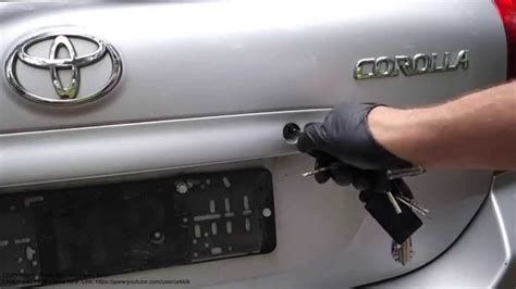 how to fix a stuck car door how to open alto car door lock without key howsto co