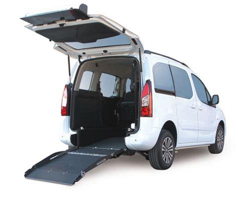 sedia per disabili allestimento auto per trasporto disabili in sedia a