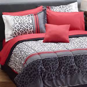 leopard print bedding totally totally bedrooms