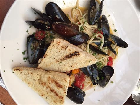 411 Pei Lookup Mussels Linguine Prince Edward Island Mussels Local Tomato Garlic White Wine