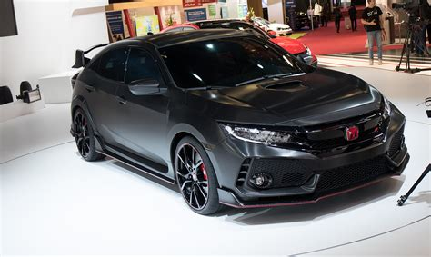 honda civic type r 2017 2017 honda civic type r previewed in paris photos 1 of 8