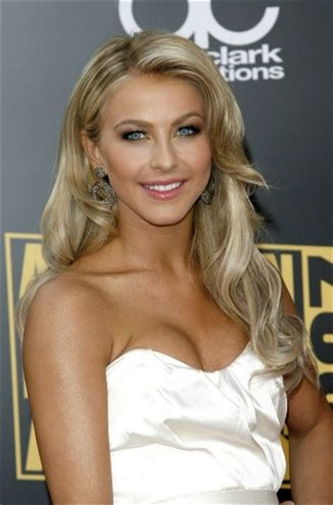 how to curl hair like julianne hough 1000 images about blonde hair color on pinterest blonde