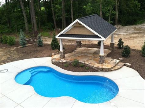 small swimming pool cost 25 best ideas about fiberglass swimming pools on