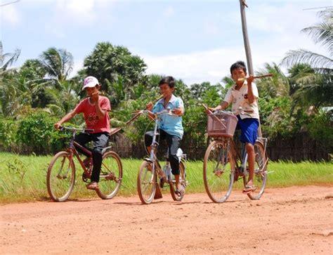 cambogia turisti per caso bambini cambogiani viaggi vacanze e turismo turisti