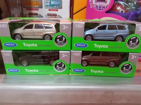 Welly Auto by Welly 1 60 Toyota Kijang Innova Coches Welly