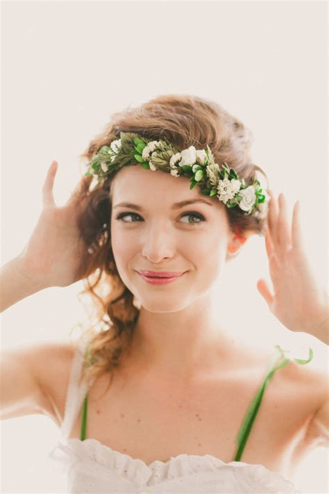 Wedding Hair Accessories Ontario by Wedding Hair Accessories 5 Options To Get Your Hair Ready