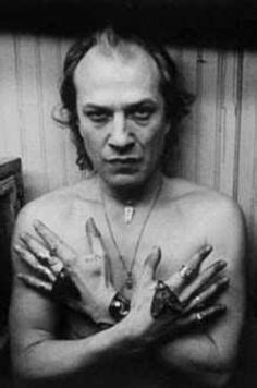 Have trouble believing this is Ted Levine! - Jame Gumb