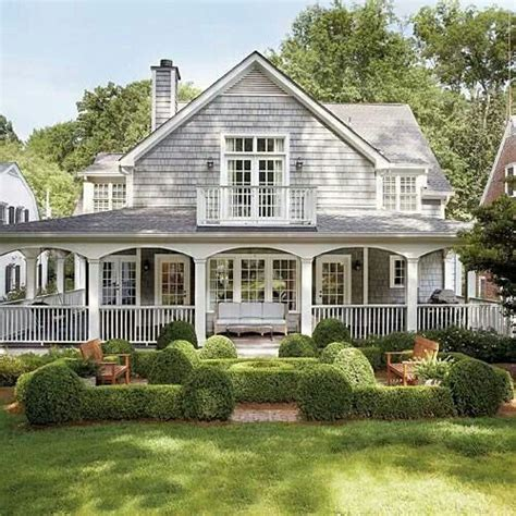 74 best cape cod homes images on pinterest small house 61 best images about htons style houses on pinterest