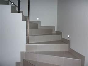 quel type de baguettes pour escalier en carrelage 22