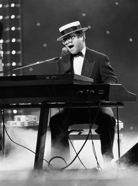 15 Iconic Elton John Moments We All Want To Relive - Smooth