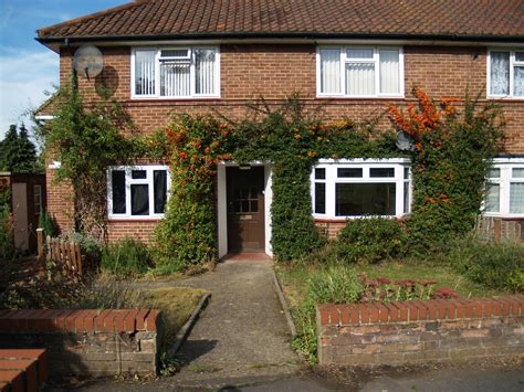 houses to buy in hertford 2 bed flat apartment ground maisonette to rent