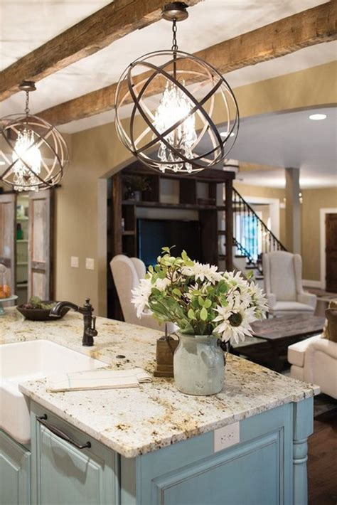 Light Fixtures Over Kitchen Island | 20 gorgeous kitchens with islands messagenote