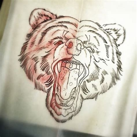 traditional screaming bear head tattoo design