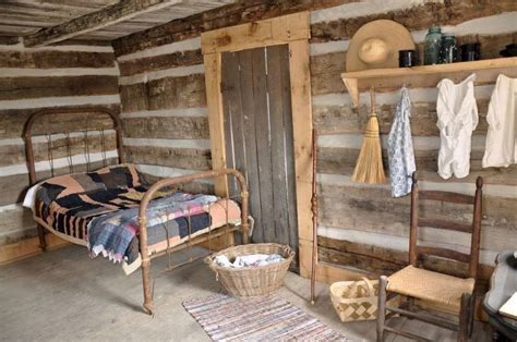 cozy cabin rustic cabin interiors pinterest vaulted freedom seekers cabin primitive decor pinterest