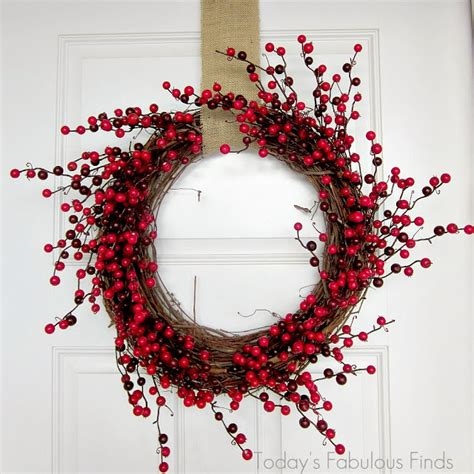 berry wreath today s fabulous finds simple berry wreath