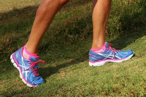 what size running shoes should you wear the footwear debate concludes should you be wearing