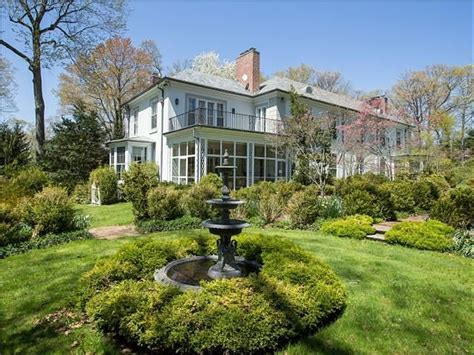 buying a house on long island the feds are selling peter madoff s long island mansion for 4 5 million business