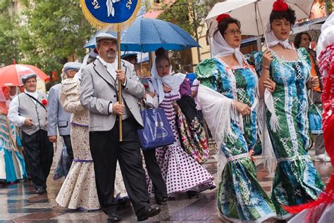 traditional dress in spain images