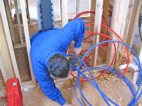 How To Install Pex Plumbing System by How To Install A Pex Plumbing System How Tos Diy