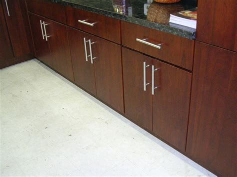 Slab Door Cabinets Cherry Slab Door Kitchen Cabinets M14