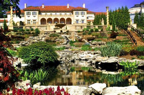 Garden Tulsa Ok by Tulsa S Gorgeous Backdrop Hotel Ambassador Tulsa