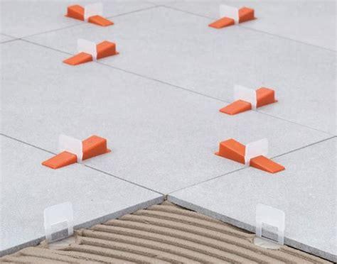 distanziatori livellanti per piastrelle distanziatori autolivellanti per pavimenti applicazione