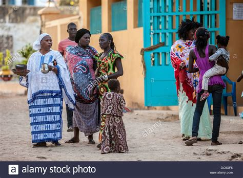 modern hairsyyles in senegal senegalese women in traditional and modern clothing styles
