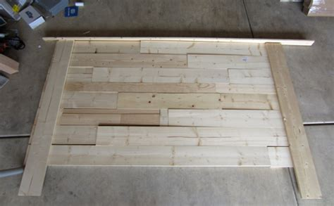 Pallet Headboard Tutorial   Pallet Furniture Plans