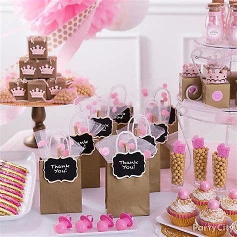 Baby Shower Favors Themes by 1000 Ideas About Baby Shower Themes On Baby