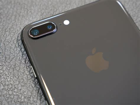 apple iphone   camera review ephotozine