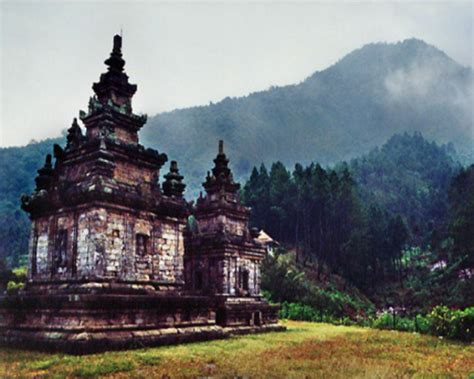 kerajaan kerajaan hindu di indonesia dan peninggalan 15 peninggalan kerajaan kutai kartanegara beserta